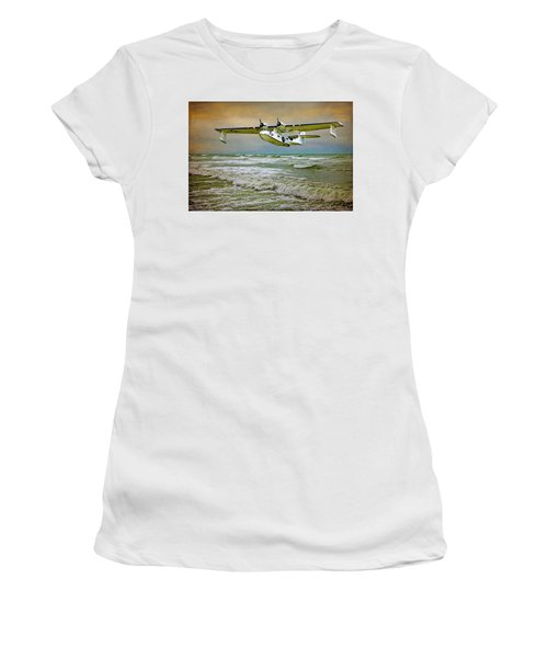 Catalina Flying Boat Women's T-Shirt (Athletic Fit)