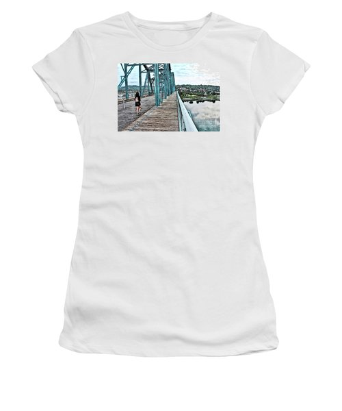Chattanooga Footbridge Women's T-Shirt (Athletic Fit)