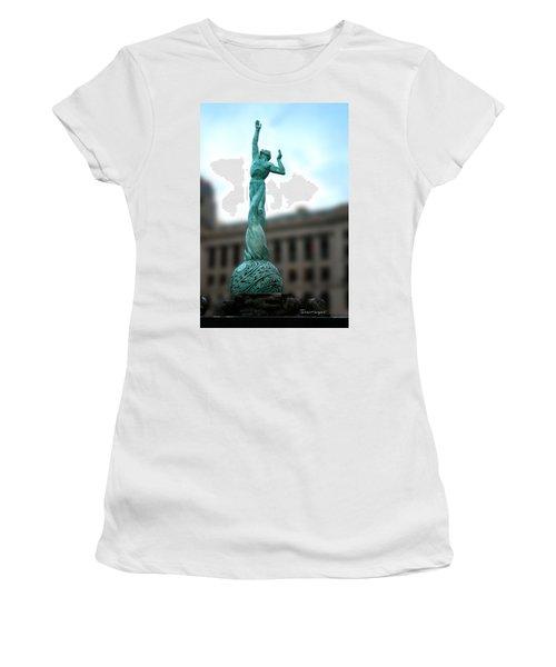 Cleveland War Memorial Fountain Women's T-Shirt