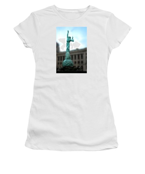 Cleveland War Memorial Fountain Women's T-Shirt