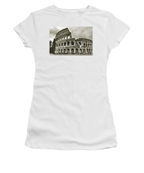 Colosseum  Rome Women's T-Shirt (Athletic Fit)