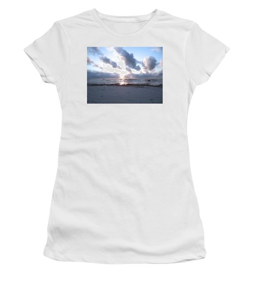 Coloured Sky - Sun Rays And Wooden Dhows Women's T-Shirt (Athletic Fit)