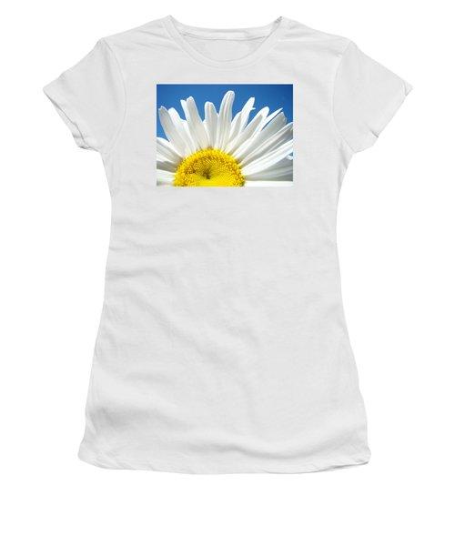Daisy Art Prints White Daisies Flowers Blue Sky Women's T-Shirt