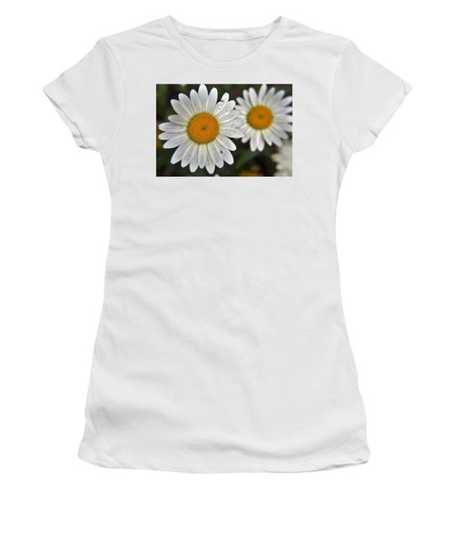 Daisy Dew Women's T-Shirt (Athletic Fit)