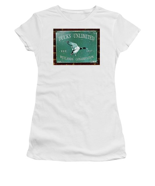 Ducks Unlimited Vintage Sign Women's T-Shirt (Junior Cut) by Paul Mashburn