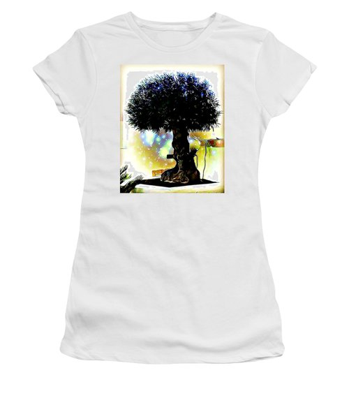 Fantasy World Women's T-Shirt
