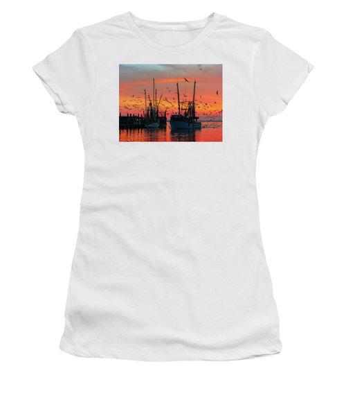 Foof Hunt Women's T-Shirt (Athletic Fit)
