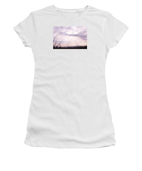 Framed Cloud Women's T-Shirt (Athletic Fit)