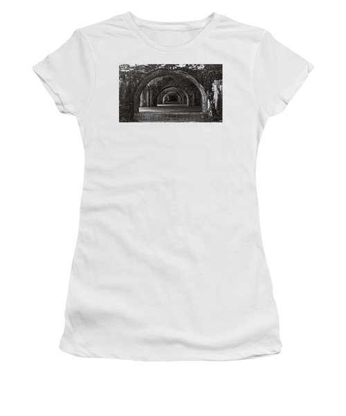 Ft. Pickens Arches Bw Women's T-Shirt