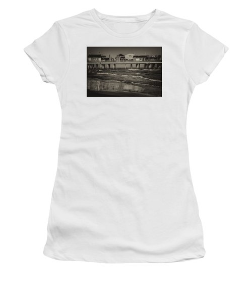 Galveston Pleasure Pier - Black And White Women's T-Shirt