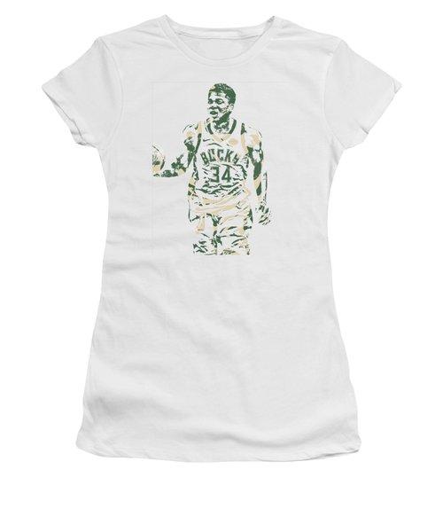 Giannis Antetokounmpo Milwaukee Bucks Pixel Art 21 Women's T-Shirt