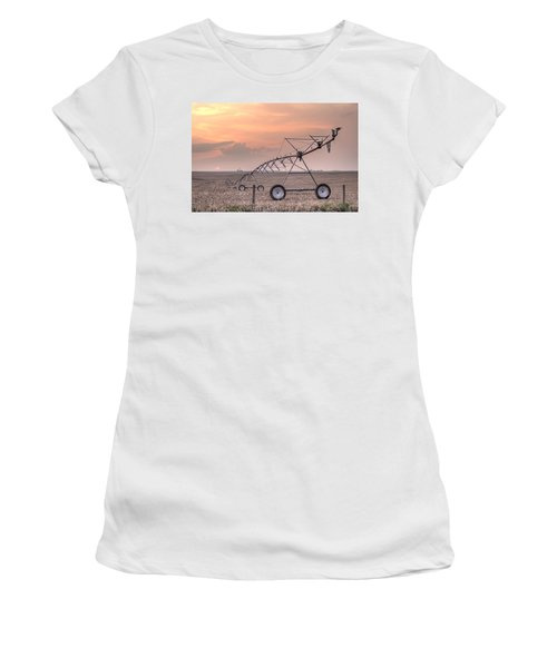 Hdr Sunset With Pivot Women's T-Shirt (Athletic Fit)
