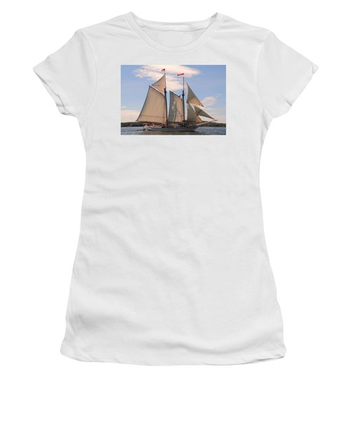 Heritage Full Sail Women's T-Shirt (Athletic Fit)