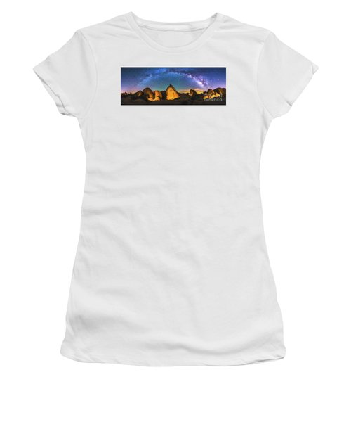 Hidden Valley Milky Way Women's T-Shirt (Junior Cut) by Robert Loe