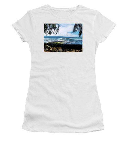 Hilo Bay Dreaming Women's T-Shirt