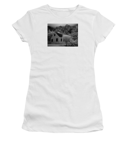 Iao Valley  Women's T-Shirt (Athletic Fit)