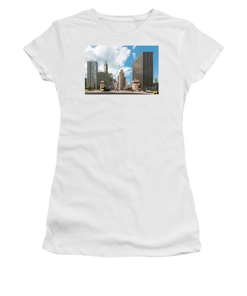 In The Middle Of Wacker And Michigan Women's T-Shirt