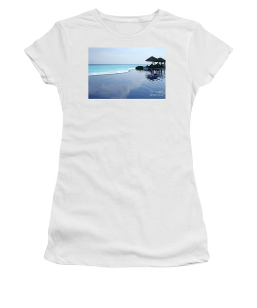 Infinity Pool Women's T-Shirt (Athletic Fit)