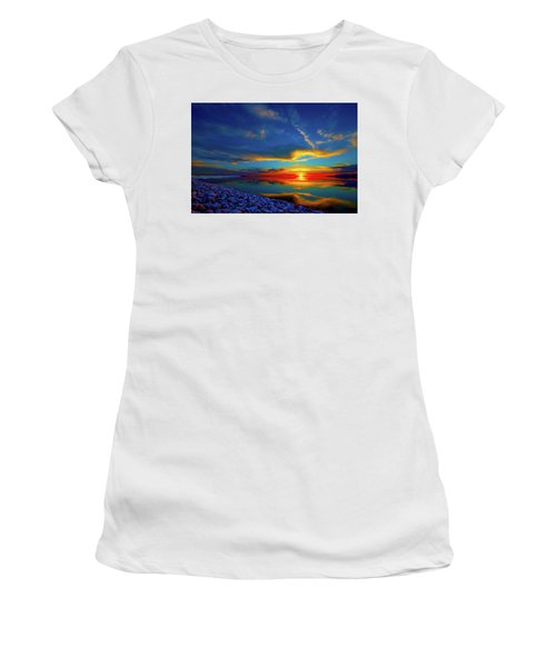 Island Sunset Women's T-Shirt (Athletic Fit)