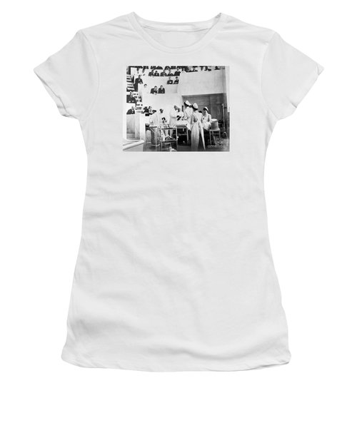 John Hopkins Operating Theater, 19031904 Women's T-Shirt