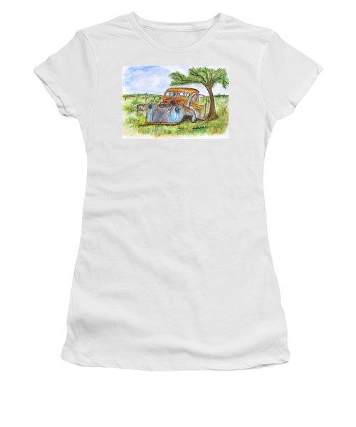 Junk Car And Tree Women's T-Shirt (Junior Cut)