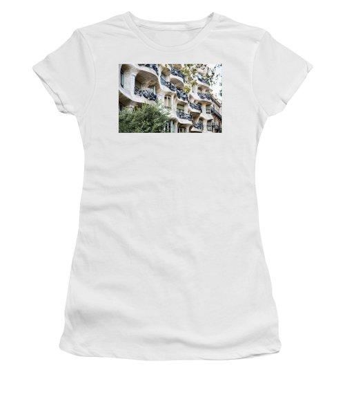 La Pedrera Casa Mila Gaudi  Women's T-Shirt