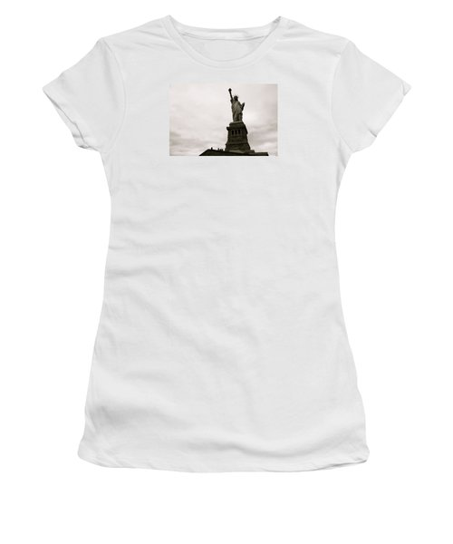 Lady Liberty Women's T-Shirt (Junior Cut) by Mark Nowoslawski