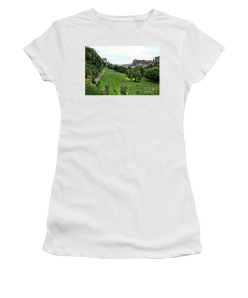 Landscape Edinburgh  Women's T-Shirt (Junior Cut) by Chuck Kuhn