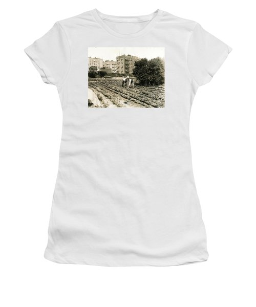 Women's T-Shirt (Junior Cut) featuring the photograph Last Working Farm In Manhattan by Cole Thompson