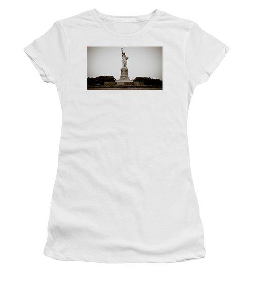 Liftin' Me Higher Women's T-Shirt