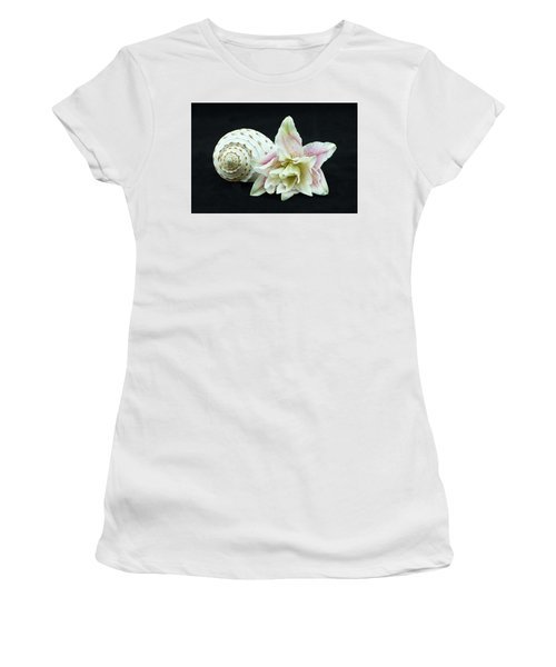 Lily And Shell Women's T-Shirt (Athletic Fit)
