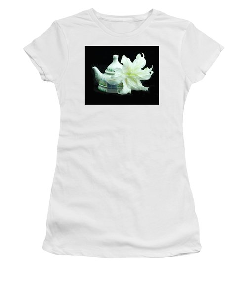 Lily And Teapot Women's T-Shirt (Athletic Fit)