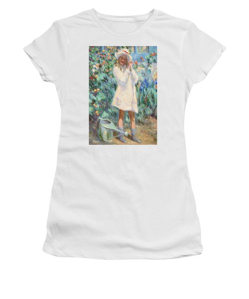 Little Girl With Roses / Detail Women's T-Shirt (Athletic Fit)