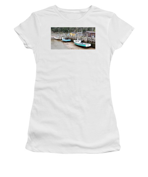 Low Tide In St. Martins Women's T-Shirt (Athletic Fit)