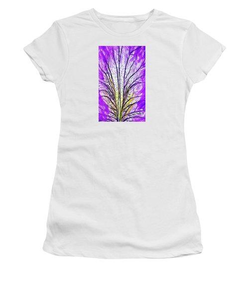 Macro Iris Petal Women's T-Shirt