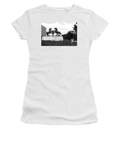 Model And The Monument Women's T-Shirt (Athletic Fit)
