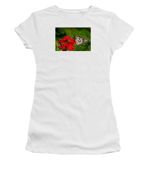 Monarh Butterfly Women's T-Shirt (Athletic Fit)