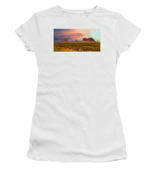 Monument Valley Landscape Vista Women's T-Shirt