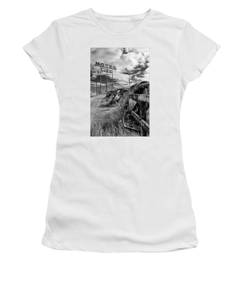 Motel Cafe Northern Texas  Women's T-Shirt (Athletic Fit)
