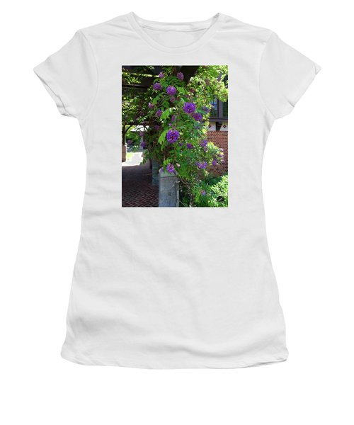 Native Wisteria Vine I Women's T-Shirt (Athletic Fit)
