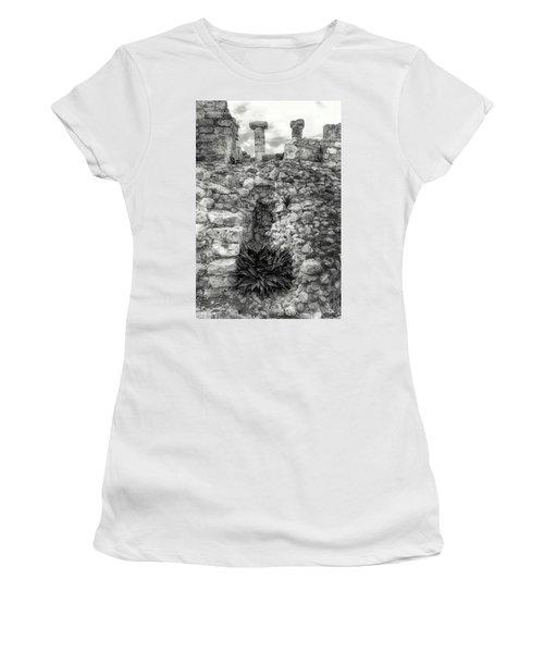 Nestle Rock B/w Women's T-Shirt