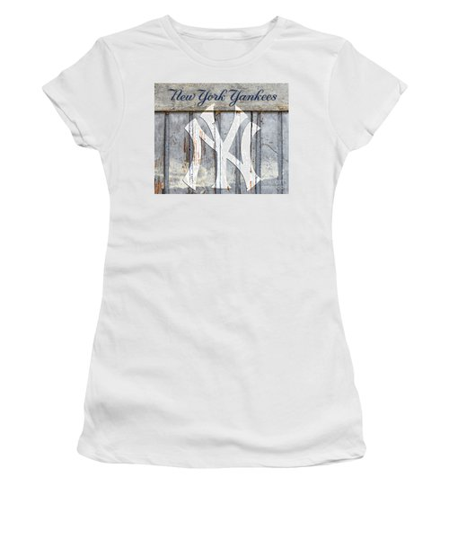 New York Yankees Rustic Women's T-Shirt