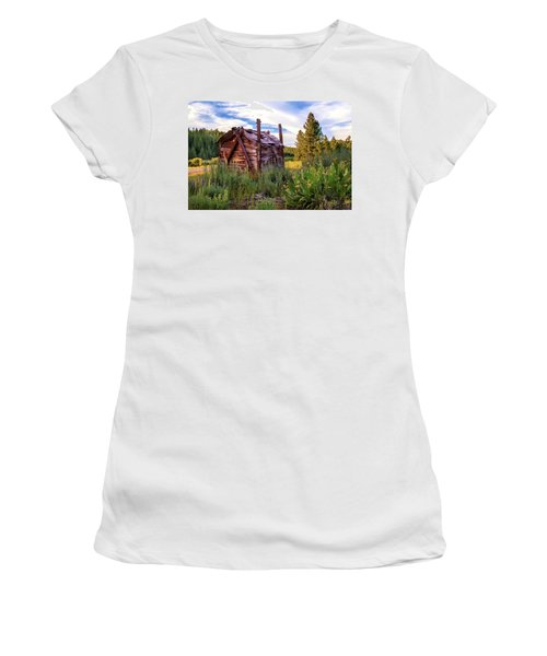 Old Lumber Mill Cabin Women's T-Shirt (Athletic Fit)