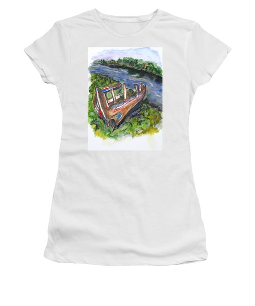 Old Memory Women's T-Shirt (Athletic Fit)