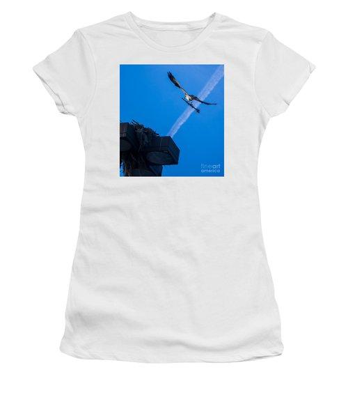 Osprey Carrying Stick To Nest Women's T-Shirt