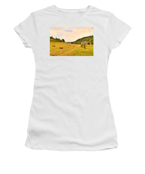 Pastorial Framland In Kentucky Women's T-Shirt (Athletic Fit)