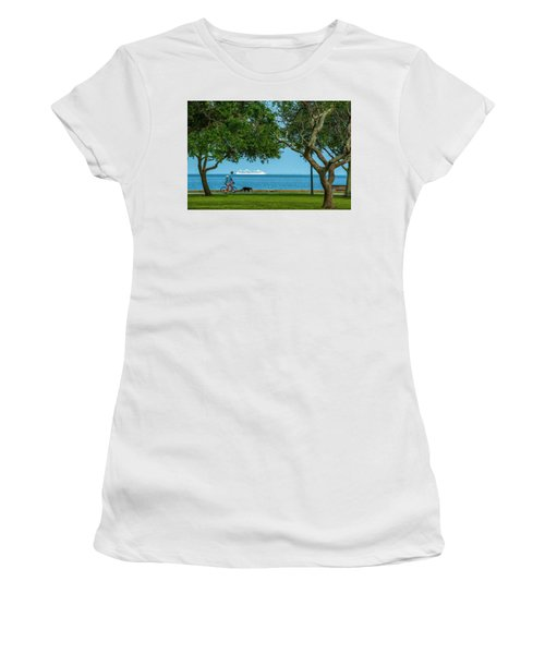 People Going Places Women's T-Shirt