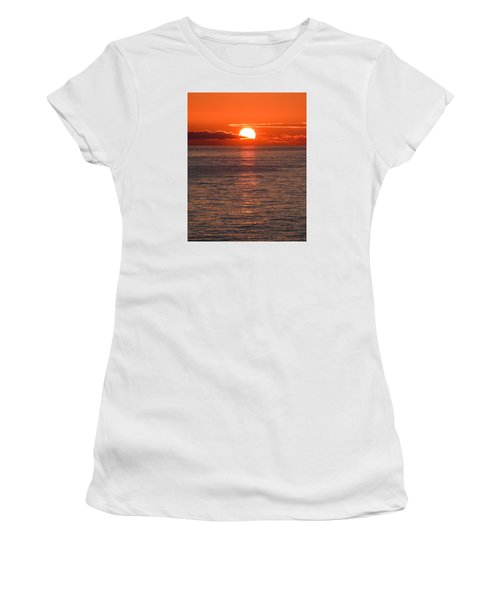 Perfect Women's T-Shirt (Athletic Fit)
