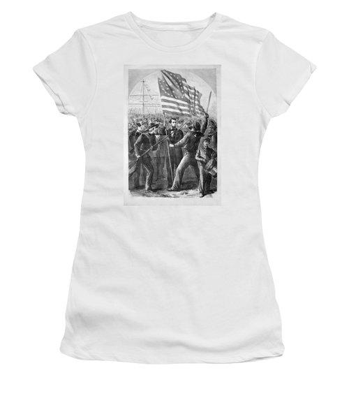 President Lincoln Holding The American Flag Women's T-Shirt