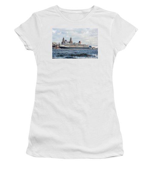 Queen Elizabeth Cruise Ship At Liverpool Women's T-Shirt